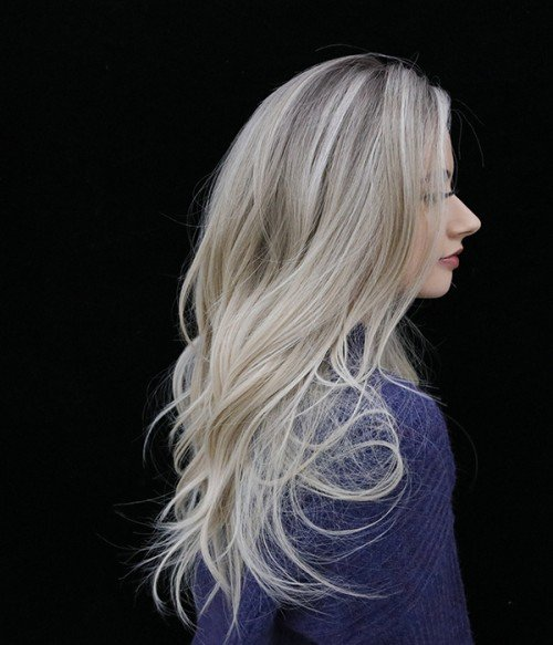 601R - Champagne Lux | Blended shades of Light Beige Blonde and Creamy Ice Blonde, with natural-looking Dark Roots.